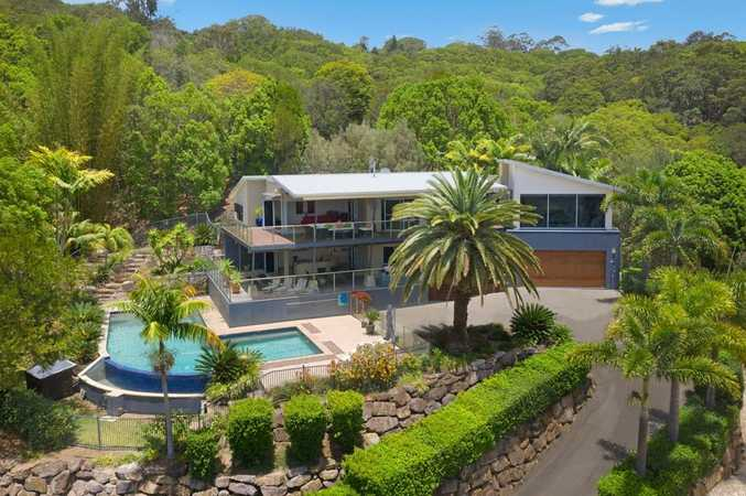 Exclusive and Stunning Private Oasis With Picturesque Views Just 10 minutes from Kirra/ Coolangatta's Beaches