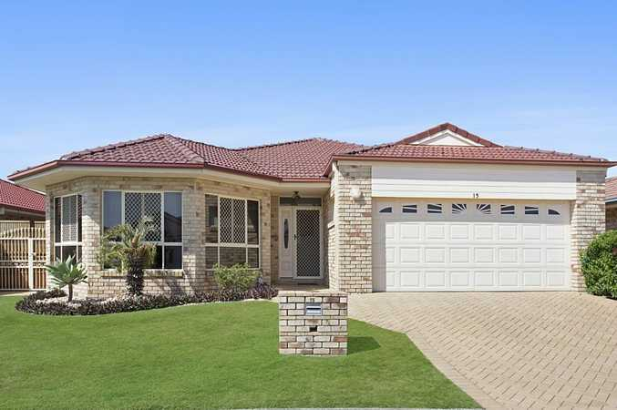 Immaculate Home in one of the Most Sought-After Banora Point Locations - Kimberley Circuit on Lake Kimberley