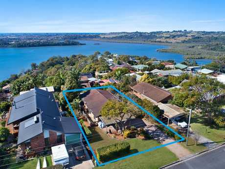 Capturing sweeping Ocean, Broadwater and Valley views, this solid family residence is set on an...