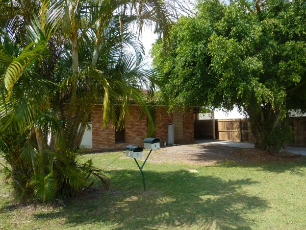 Good size unfurnished three bedroom duplex situated in Margaret Street, Tweed Heads offers location and...