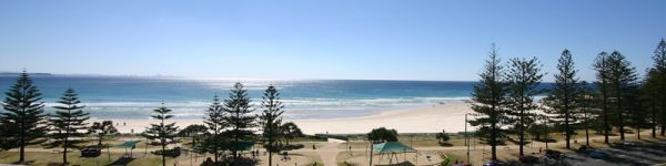 One block back from beautiful Rainbow Bay Beach! Excellent size 2 bedroom, older style beach unit in...