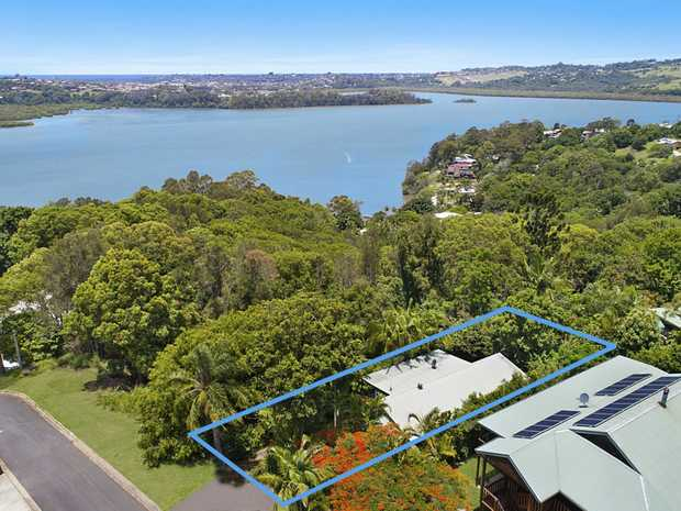 Elevated in Bilambil Heights with striking Ocean and Broadwater views and a great selection of indoor...
