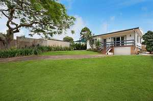 Family Home with Ocean, Broadwater and Valley Views