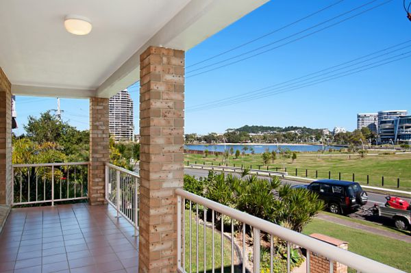 Well  presented large first floor unit that captures tranquil views over Jack Evans Boat Harbour...