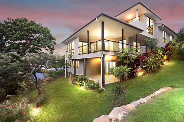 MORE HOUSES IN COOLANGATTA AND KIRRA URGENTLY REQUIRED  Only 10 years old, Elevated and located in...