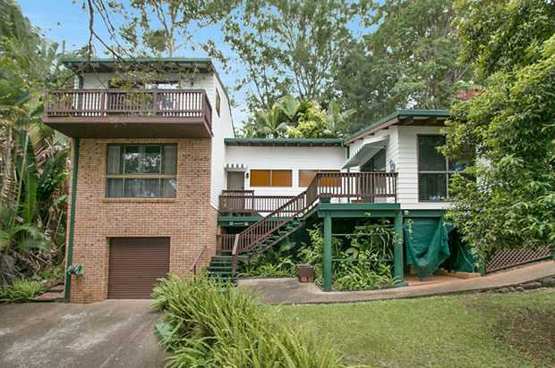 Surrounded by natural bush-land in a quiet street whilst still having the convenience of being so cl...