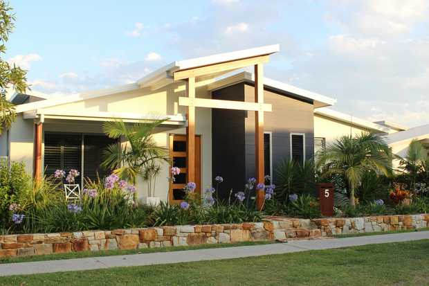 Come and view this beautiful 3 bedroom home that is fully furnished and ready to move into, all you...
