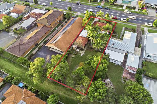 This great property is located right in the middle of town and will have lots of appeal to the business...