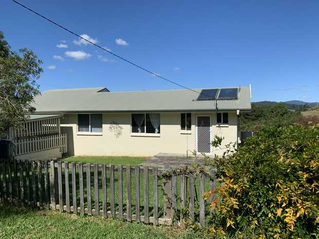 Exclusively listed with LJ Hooker Coffs Harbour is this quaint 4 bedroom cottage set in the rural town...