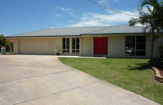 This modern family home is located in a quiet cul-de-sac in a convenient area. With boasting double...