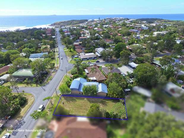 This would have to be one of the last vacant blocks of land available in sought after Emerald Beach.