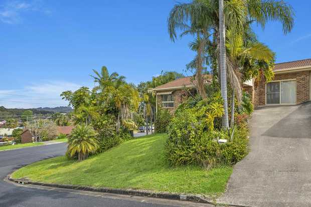 This well appointed 3 bedroom villa is located in an elevated position overlooking the trees of the...