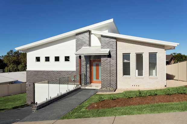 Set in the popular Korora Haven Estate, this brand new extra large quality home ticks all the boxes...