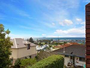 """""""Stunning Jetty Apartment-Superb Ocean Views Over Harbour"""""""