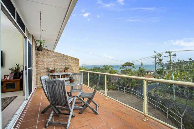Perfectly positioned to capture the panoramic ocean views this 4 bedroom family home is awaiting you...