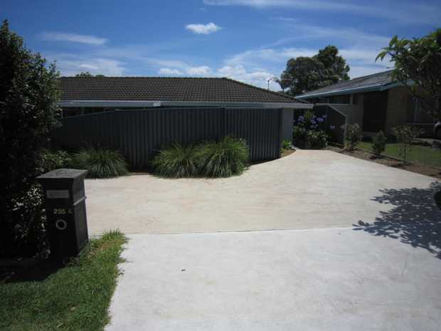 Unique & modern one bedroom home with water & NBN included. The property has been recently renovated...