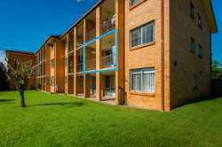 Be quick to secure this ideal town centre positioned apartment. Perfect for investors or retirees, t...