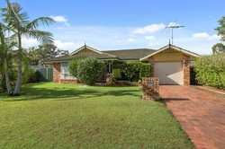 This home consists or 3 bedrooms with built-in robes, 3 way bathroom, modern kitchen with formal lou...