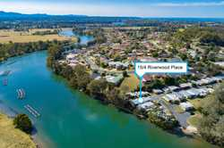 This absolute waterfront relocatable positioned in Gundamain Park is ideal for the fisherman or thos...