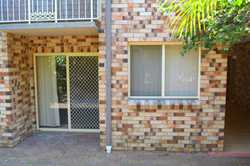 Featuring solid double brick construction, this 1 bedroom ground floor bedsitter is proudly position...