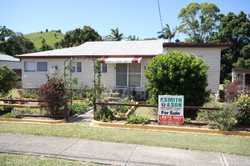 Located in the village of Mooball only 12 minutes to the Tweed Coast's finest beaches resides this m...
