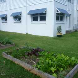 3 bedroom unit tiled throughout with good size rooms and living area. Combined bathroom/laundry and...