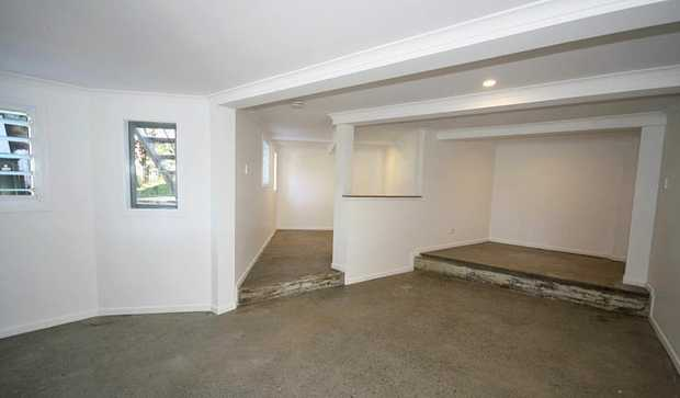 Beautifully renovated 1 bedroom studio with shared in-ground pool.   Positioned downstairs of the...
