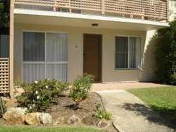 Neat & Tidy ground floor 2 bedroom unit in Mountain View Retirement Village. Lovely modern kitchen w...
