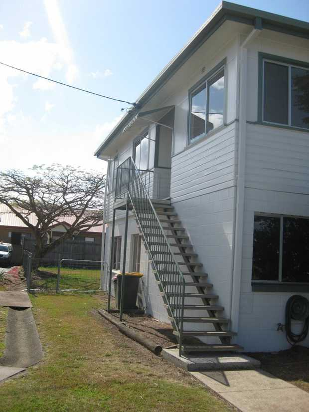Large 3 bedroom house with 4th bedroom/office area.  Renovated kitchen with plenty of bench space...