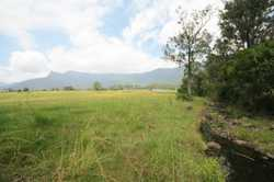 Positioned only 10 minutes drive to the flourishing village of Tyalgum  and 30 minutes to Murwillumb...