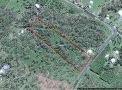 THE CHEAPEST 5 ACRES AT BLOOMSBURY WHITSUNDAYS A very easy to improve 5 acre allotment with a bore...