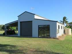 The American Barn: * 10 x 10 mts, thermal sarking to some walls  and entire ceiling. * Power & tow...