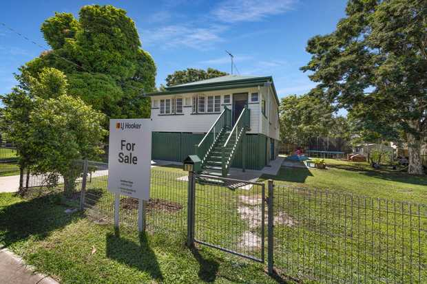 This tidy 3 bedroom high set Queenslander is the perfect starter home or ideal investment property to...