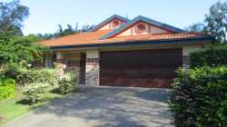 Situated within stage 1 of the eco-friendly Koala Beach estate is this large 4 bedroom home. Only a...
