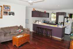 3 Bedroom, 2 Bathroom Rear Duplex in Cabarita Beach.  Generous backyard and undercover area, open pl...