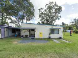 Manufactured home located in the quiet Bimbimbi Caravan Park at Woombah, close to the Clarence river...