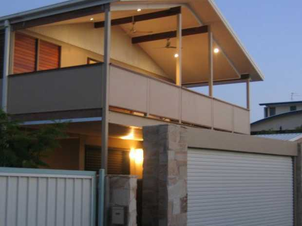 PEACE & PRIVACY @ FINGAL * 3-4 Bedrooms / Built Ins * 2 Bathrooms * Airconditioning in living * Bree...