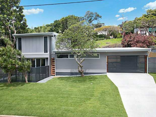 This modern designed three bedroom home boasts premium appointments and is located just metres from...