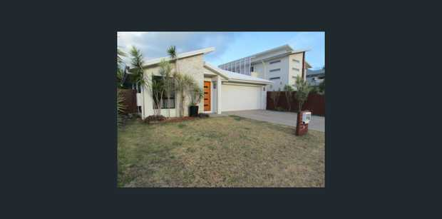 * Large Home * 5 Bedrooms * Air Conditioning to 4 Brms and Living Areas * Ensuite and Walk/in to Main *...