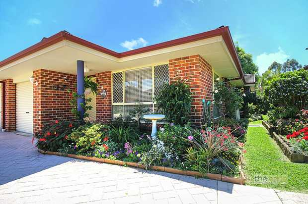 Looking for a low maintenance property with a short level walk to the CBD?  This beautifully present...