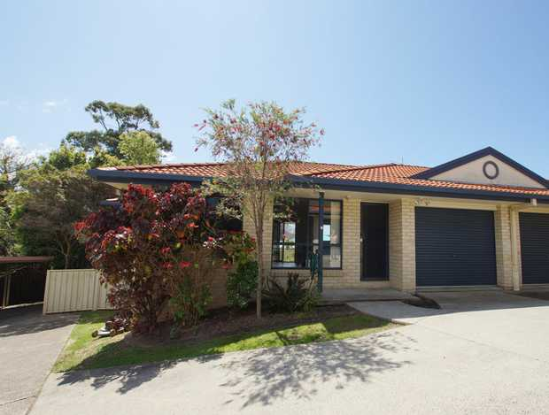 This conveniently located residence is only a short stroll to Coffs Harbour CBD, churches, sporting...