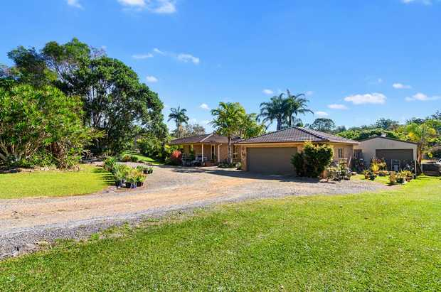 This spacious four bedroom home is set upon 1.5 acres of tranquil fenced land in the relaxed suburb of...