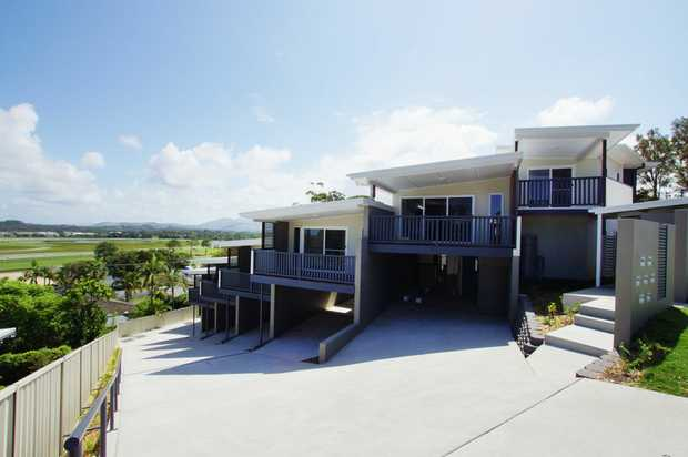 This large townhouse is located in the sought after Jetty area and is within walking distance to Jetty...
