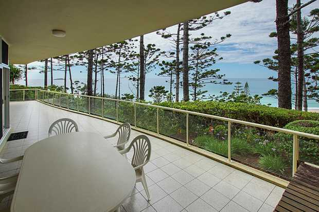 Exclusive position and illustrious appeal, this apartment on the escarpment of Sapphire Beachfront A...