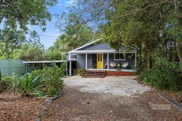 This sweet home has been lovingly restored and is the perfect country retreat.   Boasting a delightf...