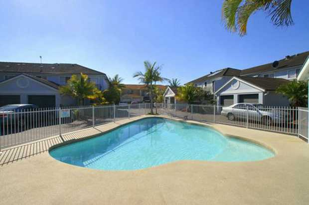 With it's close proximity to the beach, and with cafes and restaurants only a short stroll away, the...