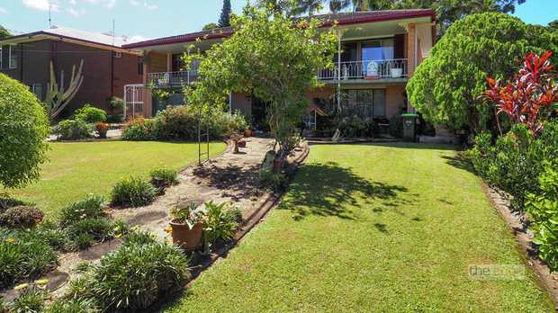 This solid older style family home sits in a location that is very sought after.  Walk to the city c...
