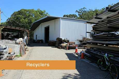 Demolitions, recycling and reusing. Perfect outside working environment where nothing is wasted!