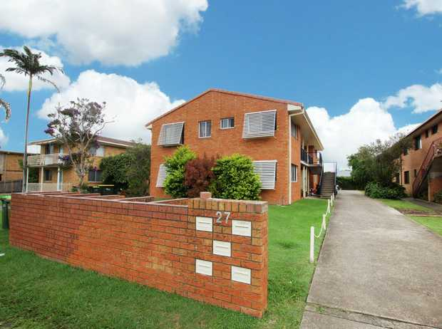 This unit is located on the ground floor of the complex and is within walking distance to shops and...