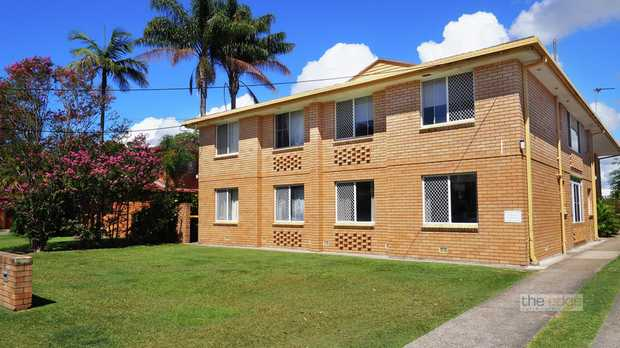 This spacious three bedroom unit is located in the rapid growth area of Park Beach. The unit is posi...